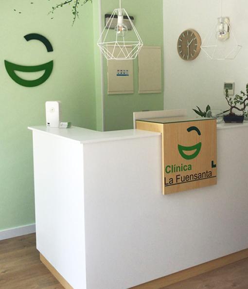 Recepción de la clínica dental en Beniaján